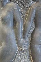 "Cornelia Martin Garcia, ""Gemeinsam"", Serpentin, Plinthe: Marmor, Unikat, ca. 25 x 30 x 30 cm"